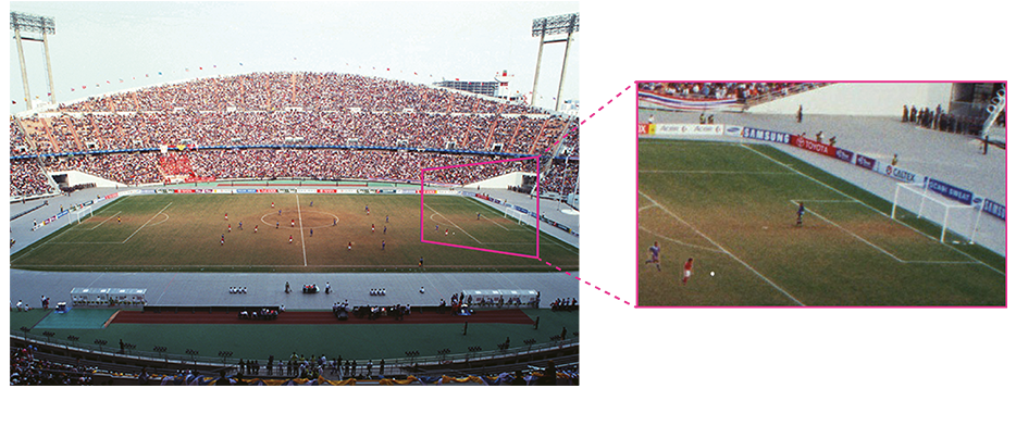Comparison images of 4K and HD using a football stadium