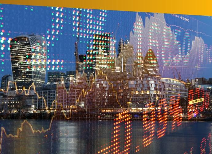 Panorama miasta znałożonymi cyframi