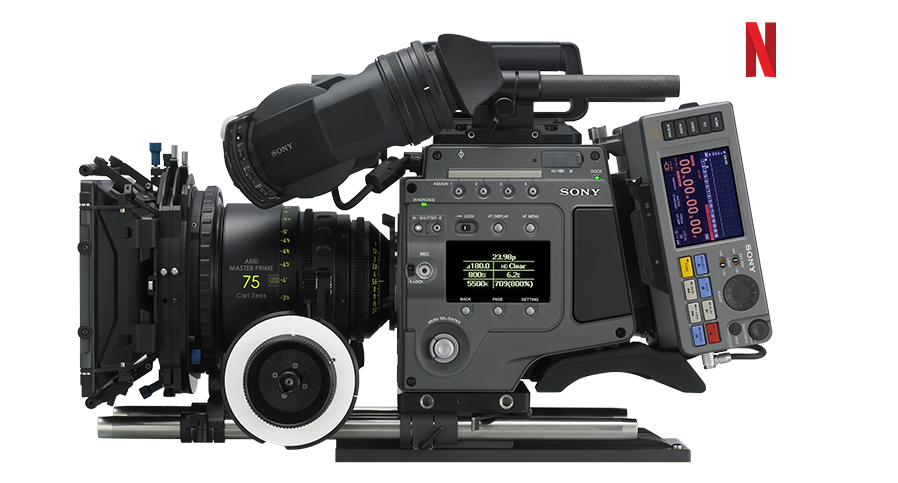 Vue latérale de la caméra F65 avec l'enregistreur SR-R4