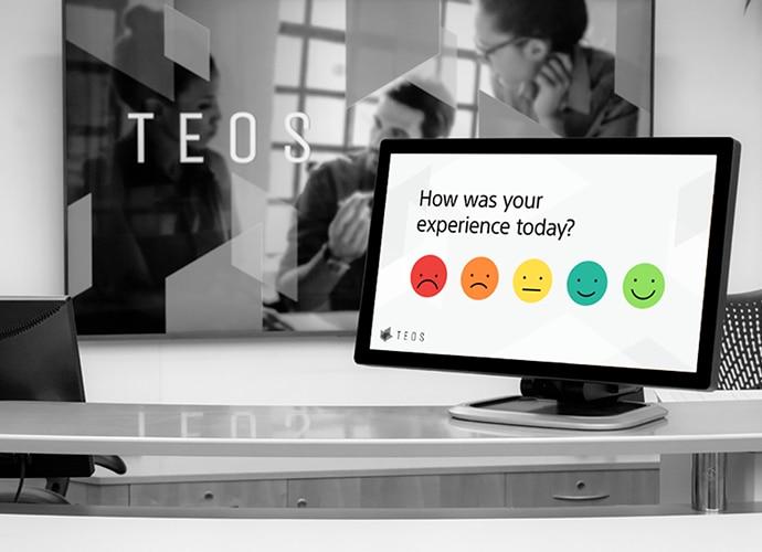 Bild eines Tablets mit TEOS, auf dem angezeigt wird, dass Besucher über das Tablet Feedback geben können.