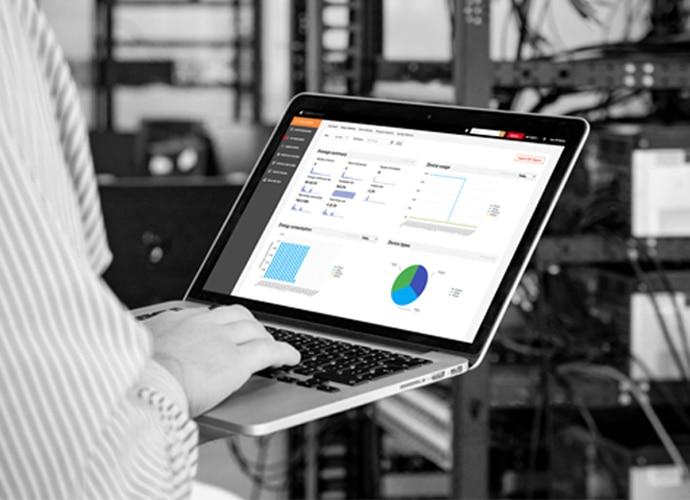 Изображение решения TEOS Manage, которое используется на ноутбуке для управления рабочим пространством