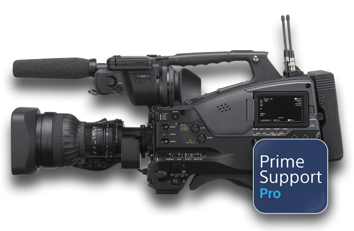PrimeSupport Alister Chapman holding camcorder