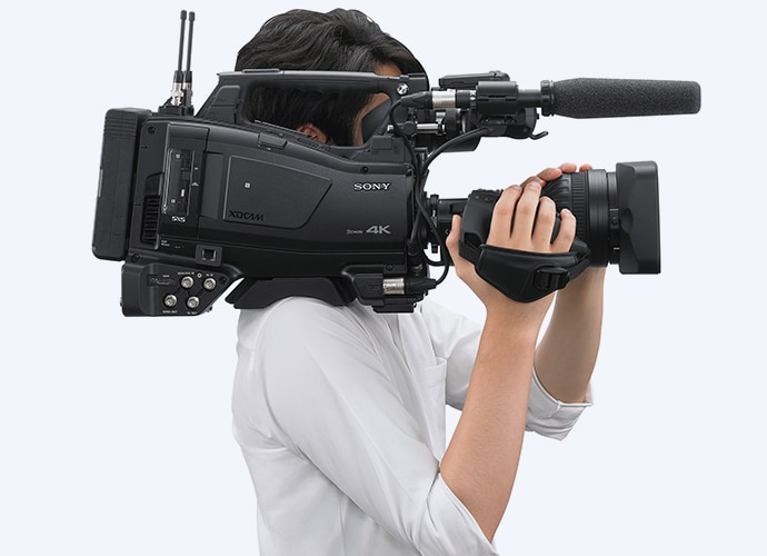Ergonomic PXW-Z750 camcorder on cameraman's shoulder