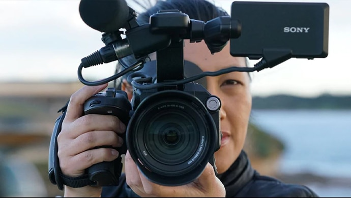Sony cameraperson capturing footage from the 2019 Berlin Marathon.
