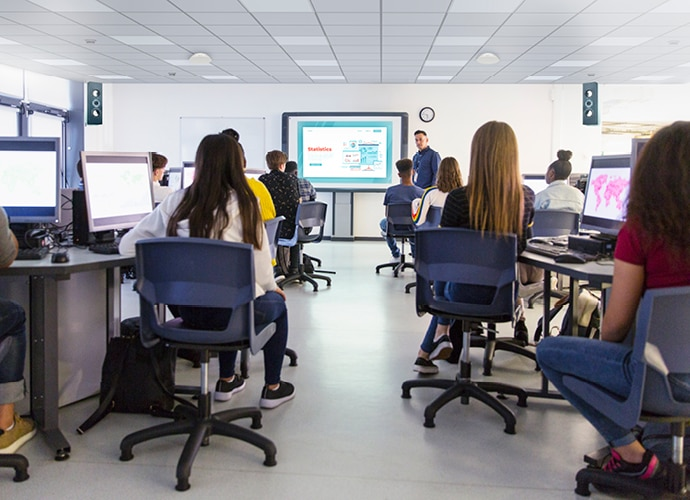 Image showing people are having a lesson inside a computer room