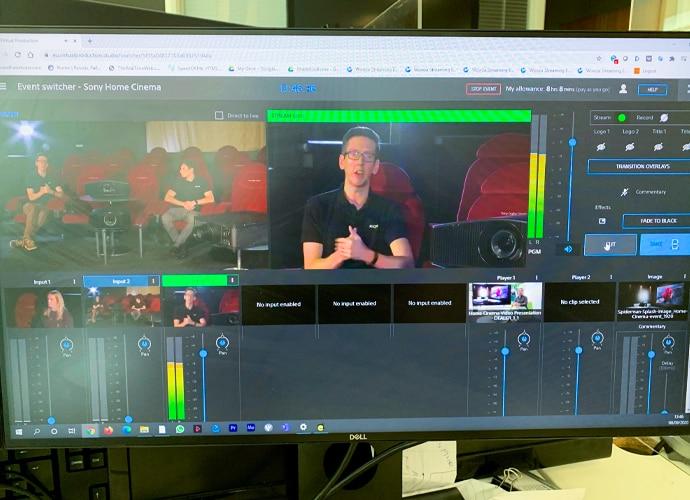 Ekranda bir adamla Virtual Production Arabirimi.