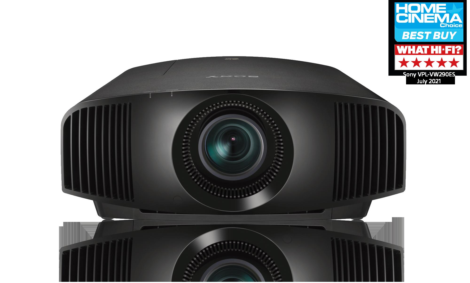 Vista frontale del nostro proiettore laser 4K SXRD VPL-VW290ES con logo del premio What HI FI? e logo di Home Cinema Best Buy
