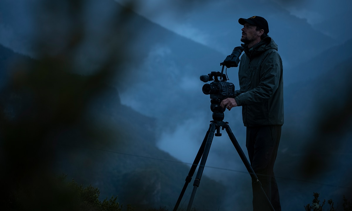 Mathieu Le Lay with FX9 on tripod with night-time fog
